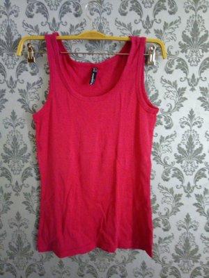 T-shirt de sport rouge framboise