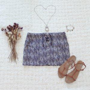 Aztekengold | Eleganter Minirock mit Azteken-Muster, Reißverschluss & Schnüren