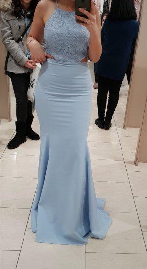 babyblaues Kleid