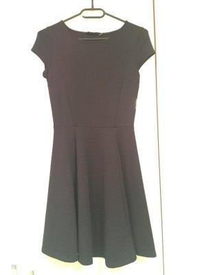 Babydoll-Mini-Kleid von Bershka