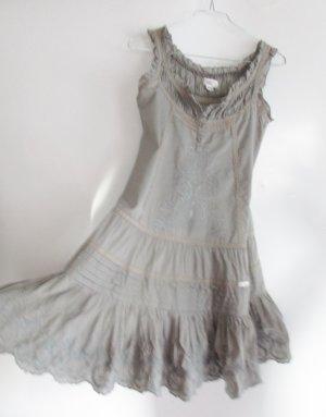 Babydoll Rüschen Kleid Usha Größe XS 34 Stickerei Hell Grau Shabby Chic Stufenrock Lagenlook Spitze Tunika