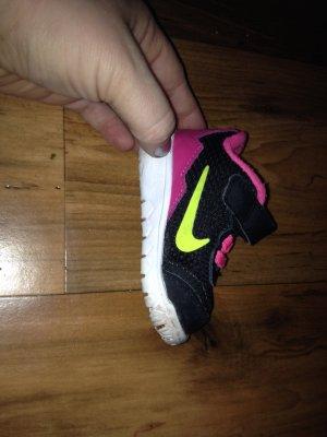 Babyschuhe Nike