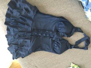 Badeanzug(kleid) mit Rüschen