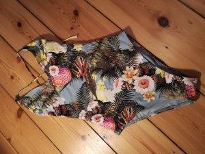 Badeanzug mit floralem Muster von H&M Trend