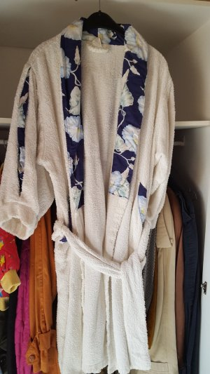 Avon Bathrobe white