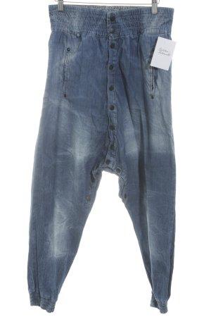 Baggy Jeans steel blue casual look
