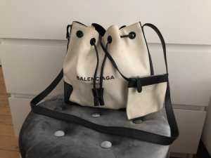 Balenciaga Bucket Bag Canvas Logo Festival Beutel Mytheresa