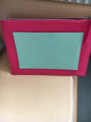Balenciaga clutch in pink mit mint