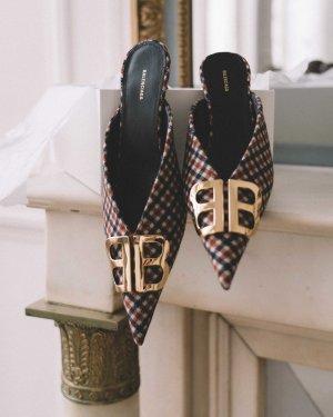 Balenciaga Zapatos de punta color bronce-blanco Lino