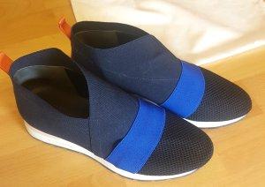 Balenciaga Zapatillas deslizantes azul-azul oscuro