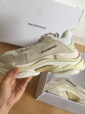 Balenciaga Lace-Up Sneaker white-cream