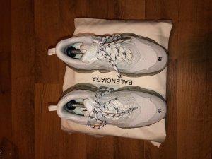 Balenciaga Zapatillas con tacón blanco
