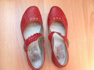 Ballarina mit kleinem Absatz rot