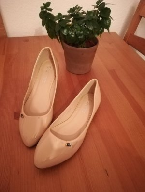 Patent Leather Ballerinas cream