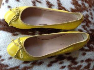 Evita Ballerinas with Toecap yellow leather