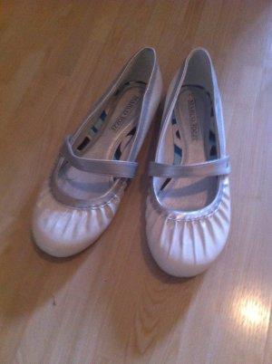 Ballerina in Weiß silber