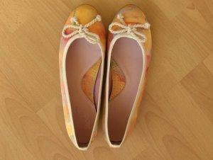 Ballerina mit Blumendruck