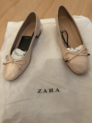 Zara Lakleren ballerina's licht beige