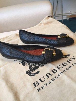 Ballerina-Schuhe von Burberry in schwarzen Pythonleder