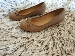 Strappy Ballerinas light brown