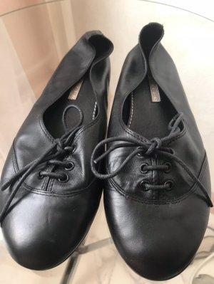 Ballerinas aus Leder von Buffalo