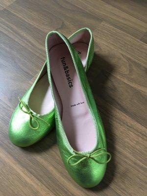 Ballerines en cuir verni vert fluo cuir