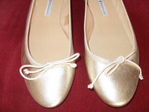 Ballerinas gold-colored leather