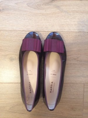 Ballerinas in Lackleder; Farbe: lilac/brombeere