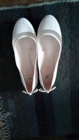 Ballerinas mit Schleifchen