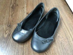Ballerinas mit Schleife silber grau, Größe 38