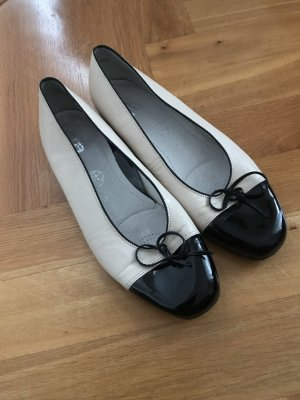 ara Patent Leather Ballerinas black-cream