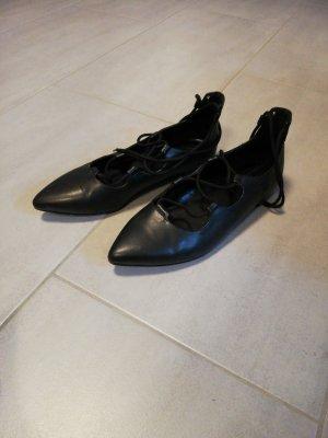 Ballerinas, schwarz, zum schnüren, Größe 39