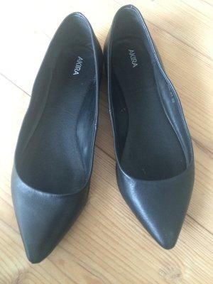 Ballerinas spitz schwarz Leder 39 Kira Goertz einmal getragen