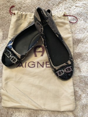 Aigner Patent Leather Ballerinas black-cream