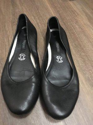 Ballerinas von Bugatti