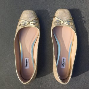 Ballerinas von Dune London in Gold