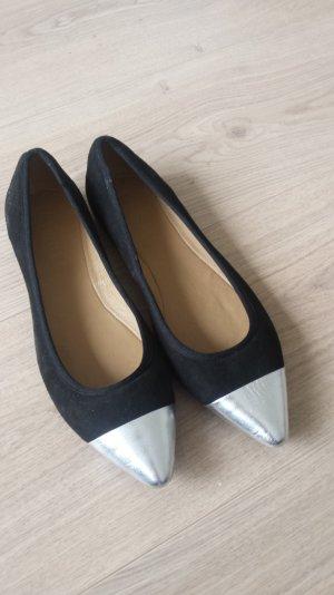 Ballerinas von Esprit Gr 41 schwarz mit silbernen Spitzen