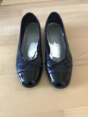 Ballerinas von Gabor in schwarz/ Lack & Größe 40 (kaum getragen)