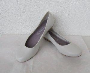 Ballerinas von Marco Tozzi in Gr. 38