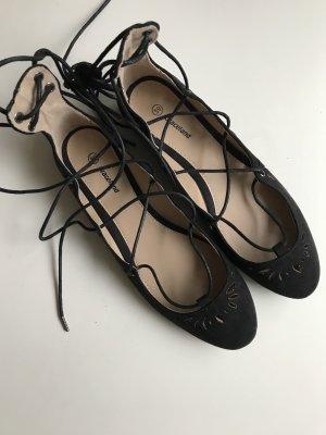 Ballerinas zum Schnüren, schwarz, Größe 39