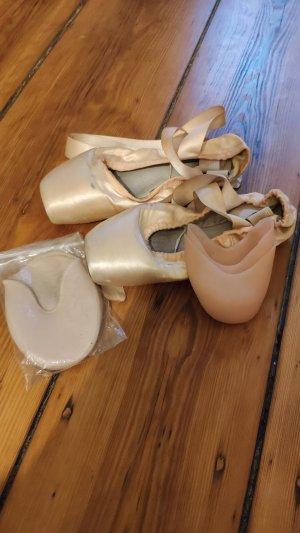 Ballett Spitzenschuhe Capezio, Gr. 38 mit Schonern
