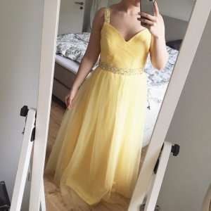 Abito da ballo giallo pallido