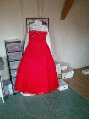 Ball Dress red