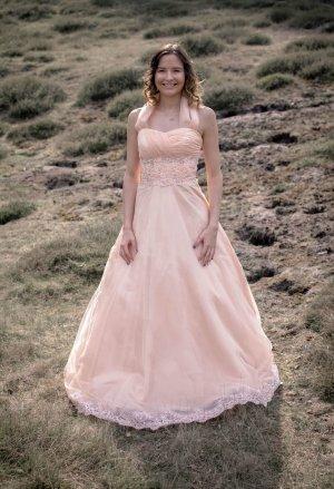 Ballkleid, Hochzeitskleid