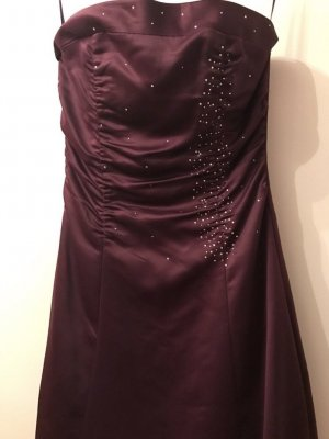 Ballkleid in violett