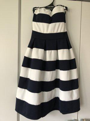 vestido de globo blanco-azul oscuro