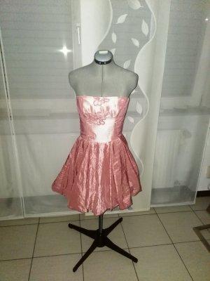 vestido de globo rosa