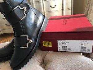 Bally Buskins black leather