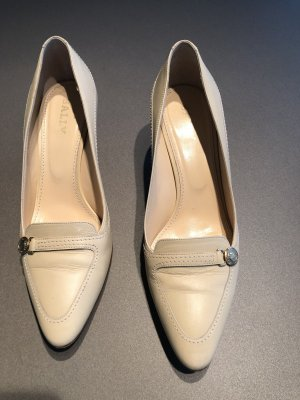 Bally Pointed Toe Pumps cream-oatmeal