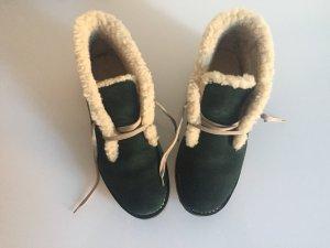 Bally Schuhe gefüttert in Wildleder und Tannengrün Größe 40